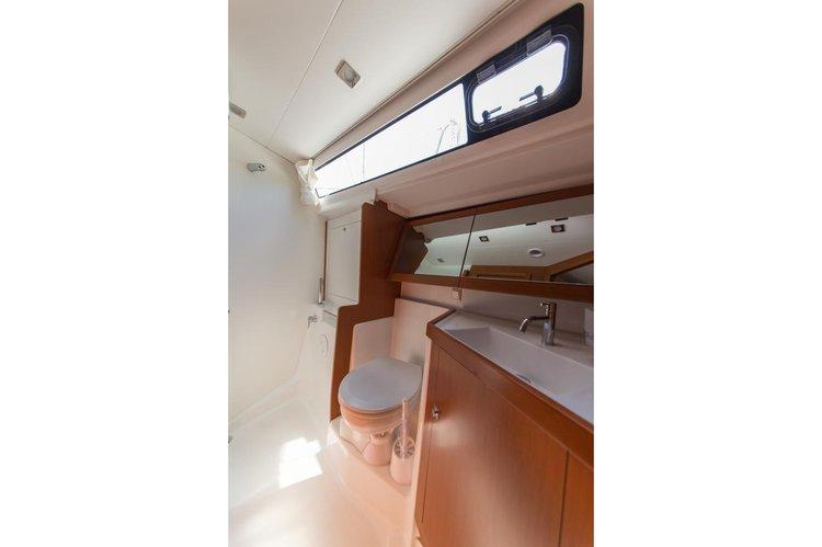 Sloop boat for rent in Sibenik
