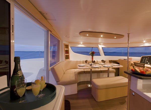 Discover Le Marin surroundings on this 48 Evolution Salina boat