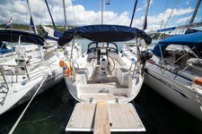 Set your dreams in motion aboard Bavaria Cruiser 33