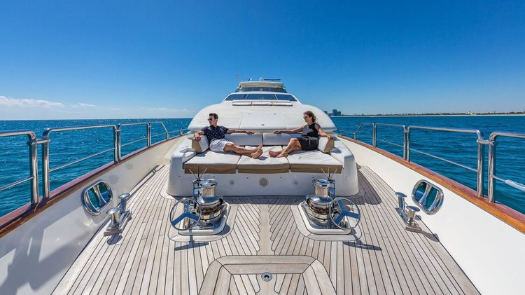 Discover Aventura surroundings on this R-2011 Azimut boat