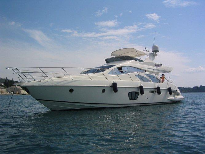 Motor yacht boat rental in Cartagena, Colombia
