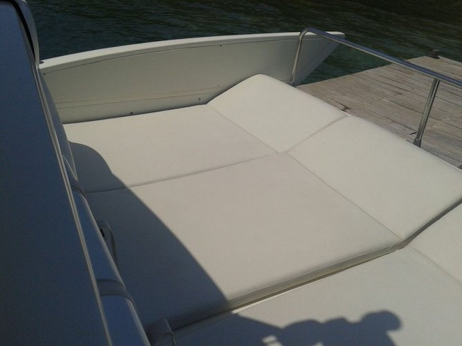 Up to 20 persons can enjoy a ride on this Azimut boat