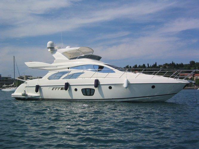 Enjoy cruising in Cartagena, Colombia aboard Splendid Azimut 55
