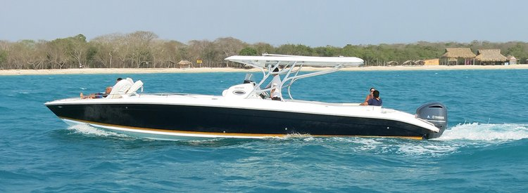 Bow rider boat rental in Cartagena,