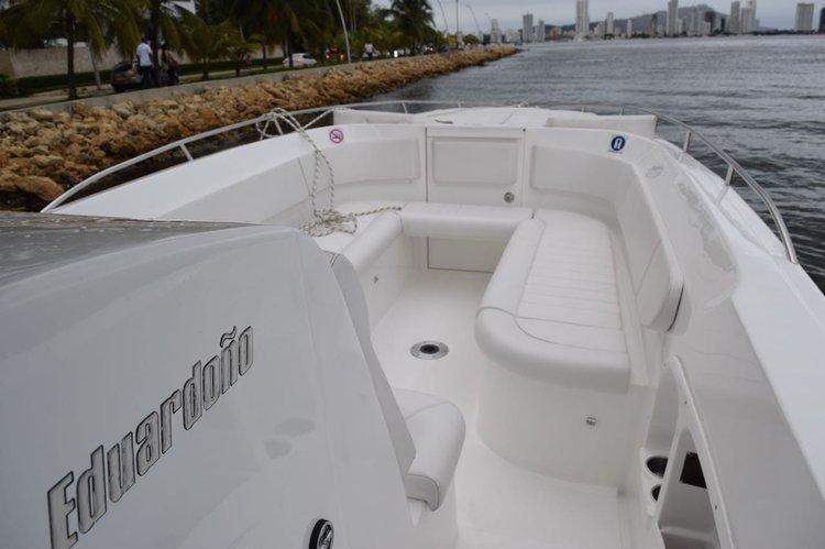 Discover Cartagena surroundings on this 410 Bravo boat