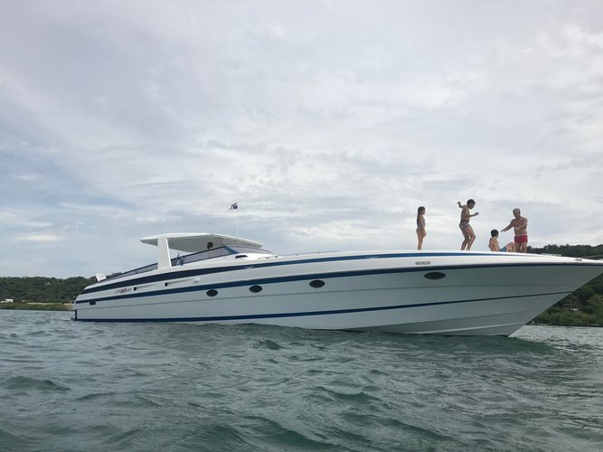 Motor yacht boat for rent in Cartagena