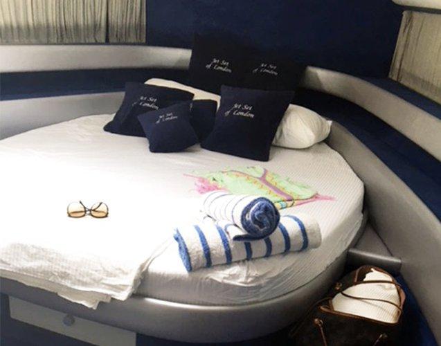 Boat for rent CHEROKEE 61.0 feet in Cartagena,
