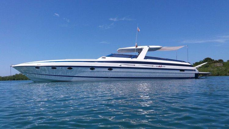Motor yacht boat rental in Cartagena,