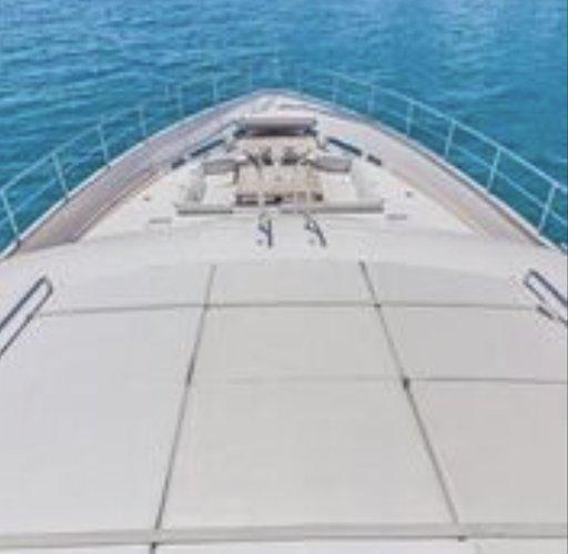 Discover Miami surroundings on this Flybridge Ferretti boat