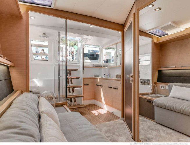 This 63.0' Lagoon cand take up to 8 passengers around Road Town