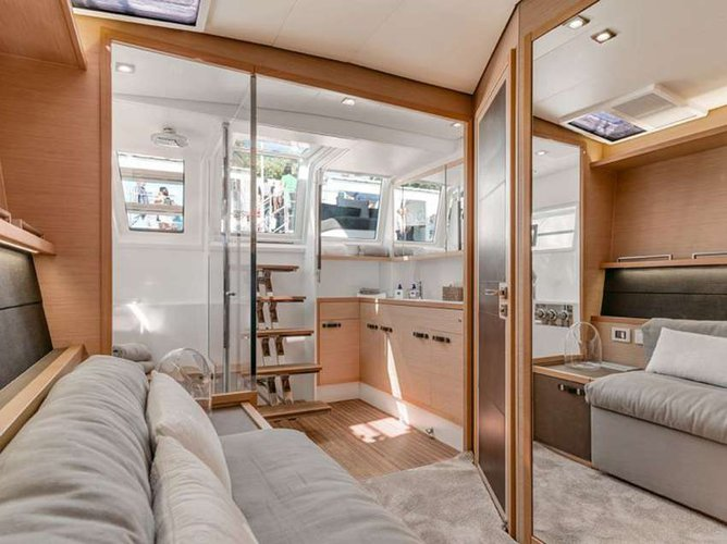 This 64.0' Lagoon cand take up to 8 passengers around Road Town