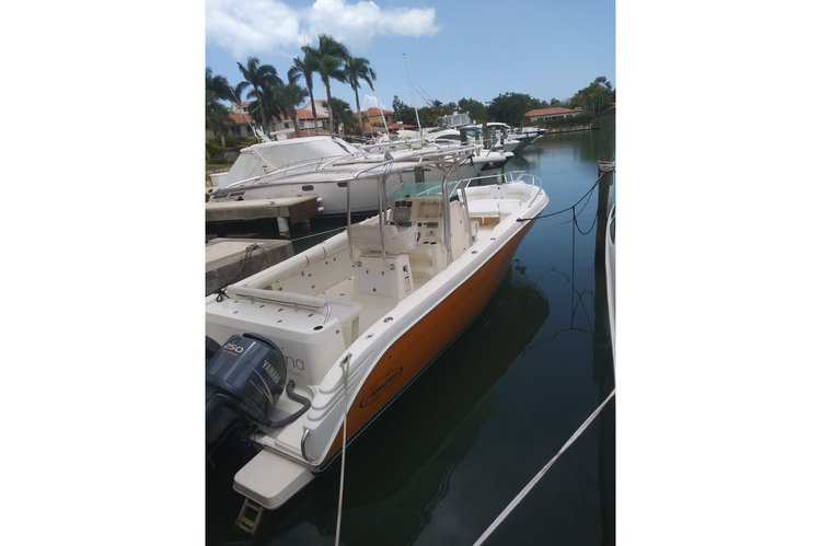 Center console boat rental in Casa de campo,