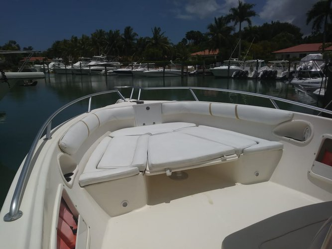 Discover La romana surroundings on this 3305 Promarine boat