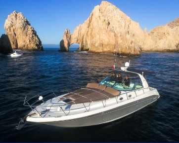 Explore wonderful views in Mexico aboard Sea Ray 42