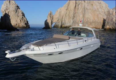 Up to 20 persons can enjoy a ride on this Sea Ray boat