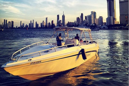 Enjoy golden sunshine in Cartagena,Colombia aboard Todomar 38
