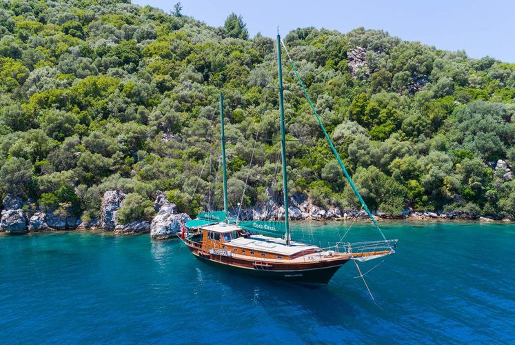 Motorsailer boat for rent in Marmaris