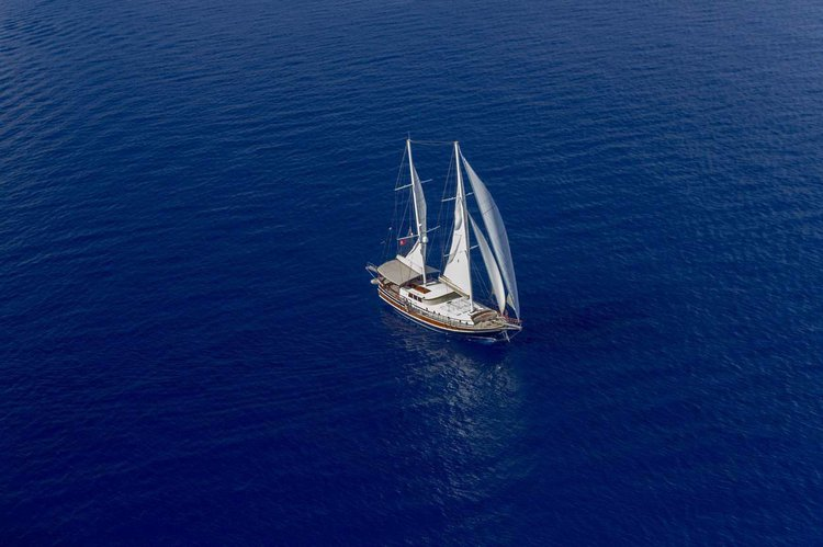 Motorsailer boat for rent in Marmaris