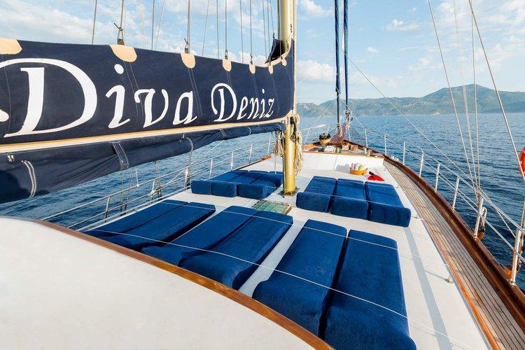 Motorsailer boat rental in Marmaris, Turkey