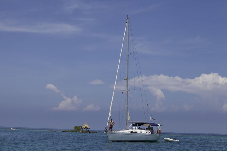 Boat for rent DROMOR 44.0 feet in Club Nautico de manga, Colombia
