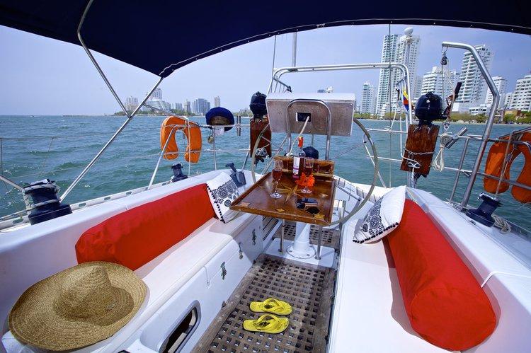 Daysailer / Weekender boat rental in Club Nautico de manga, Colombia