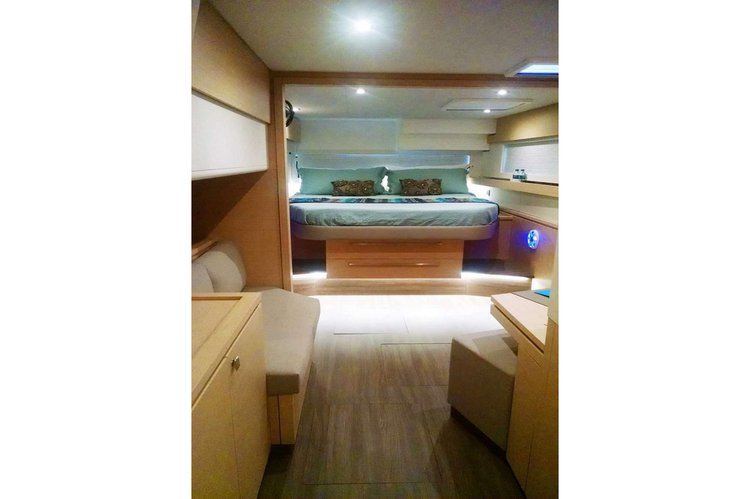 58.0 feet Fountaine Pajot in great shape