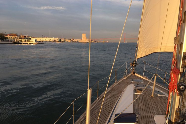 Discover Lisboa surroundings on this 44 bavaria boat