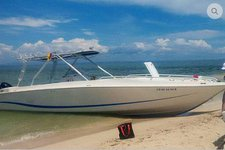 Amazing Motomarlin 41 available  for charter in Cartagena,Colombia