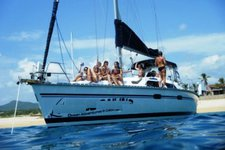 Take some time to relax on water in Mexico aboard Hunter 42