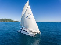 Charter this amazing Silhouette 76 to explore British Virgin Islands