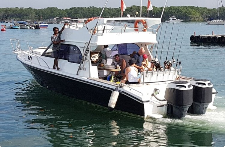 Motor yacht boat for rent in Nusa Dua