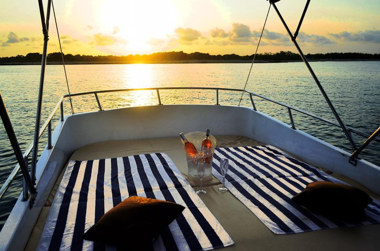 Motor yacht boat for rent in Bali