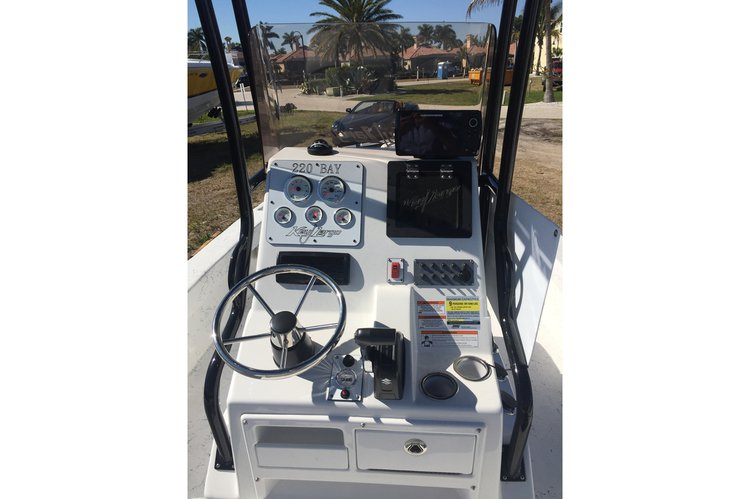 Center console boat rental in Fort Lauderdale, FL