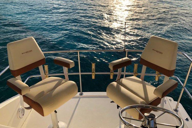 Offshore sport fishing boat rental in harbor central marina, Bahamas