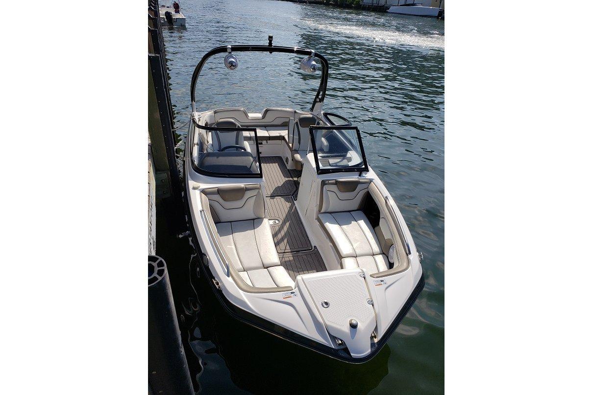 2014-2019 Miami Dade School Calendar 5549 Motor 21.0' Boat Rental Miami, FL | Sailo