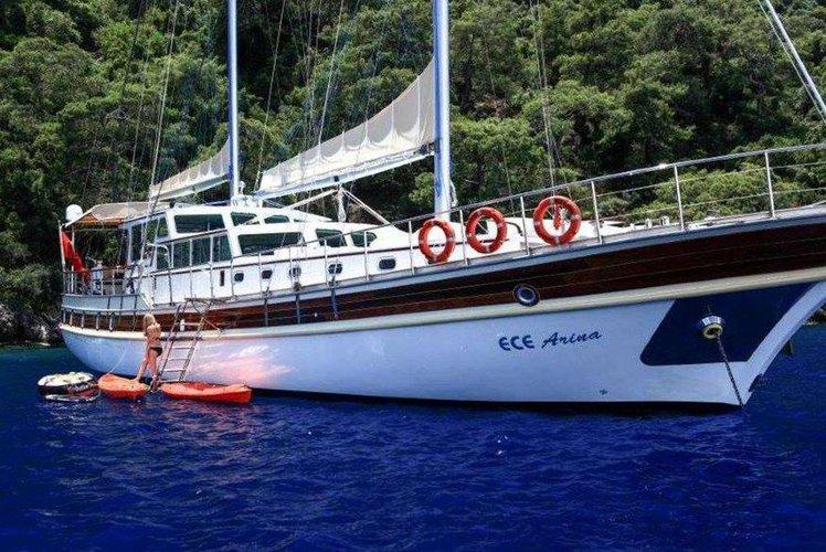 This 90.0' Turkey cand take up to 12 passengers around Corfu