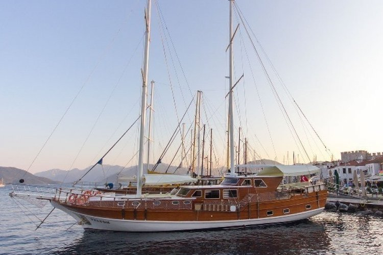 İf you love classic, this is your boat