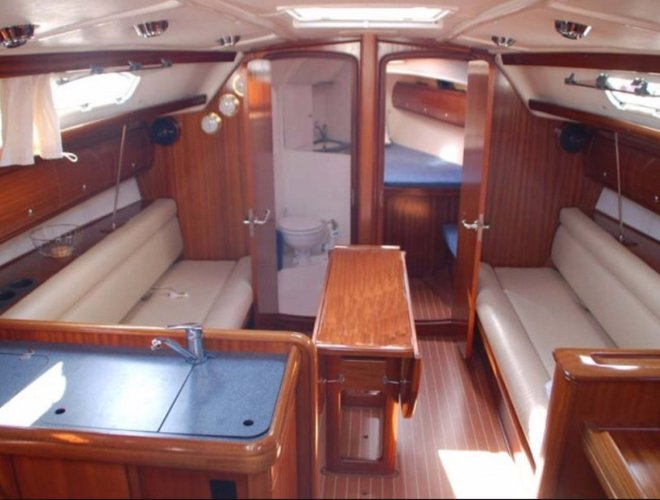Discover Cartagena surroundings on this Custom Custom boat
