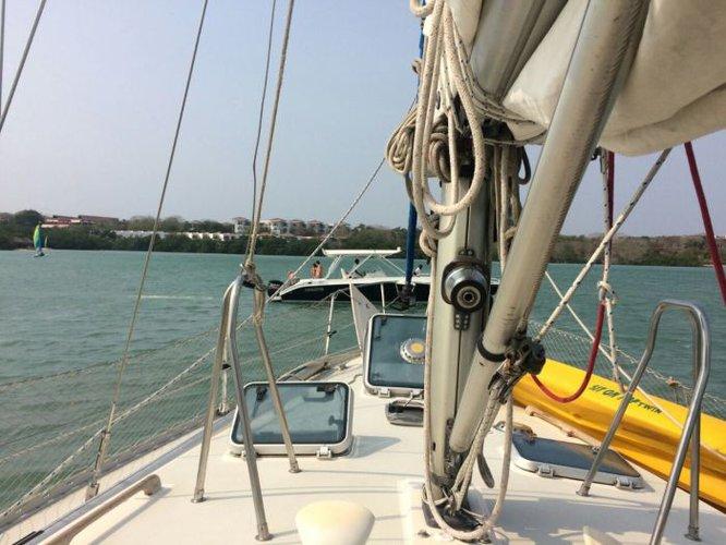 Custom's 41.0 feet in Cartagena