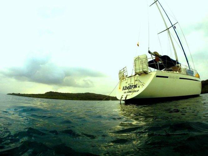 Boating is fun with a Motorsailer in Cartagena