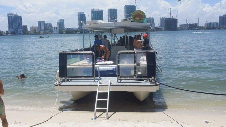 CORINTHIAN's 40.0 feet in Miami