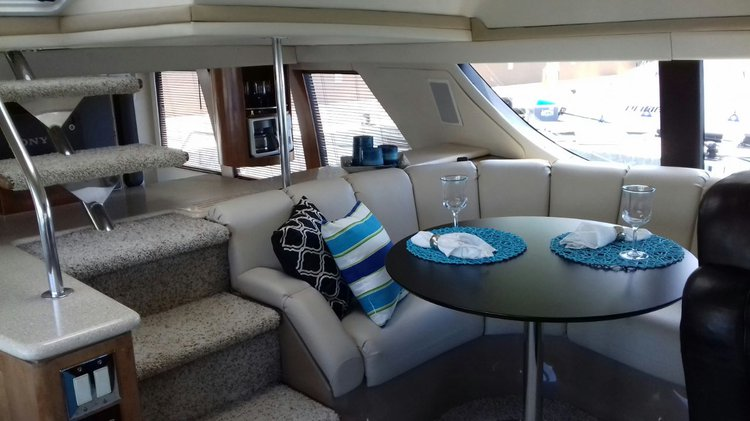 Boating is fun with a Motor yacht in Cancún