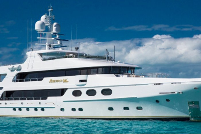 Go on a great nautical adventure on this luxurious motor yacht