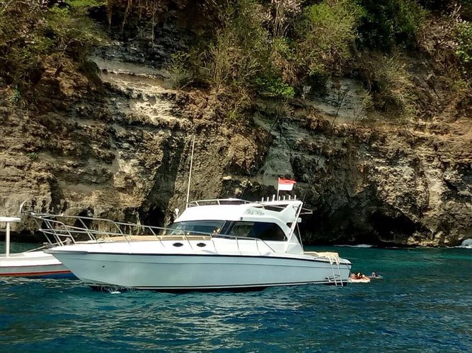Custom's 36.0 feet in Bali