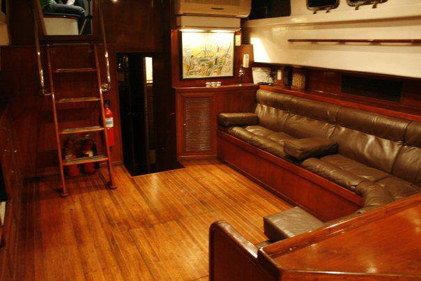 Motor yacht boat rental in Manila,