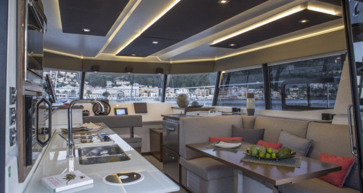 Discover Road Town surroundings on this MY37 Cat Fountaine Pajot boat
