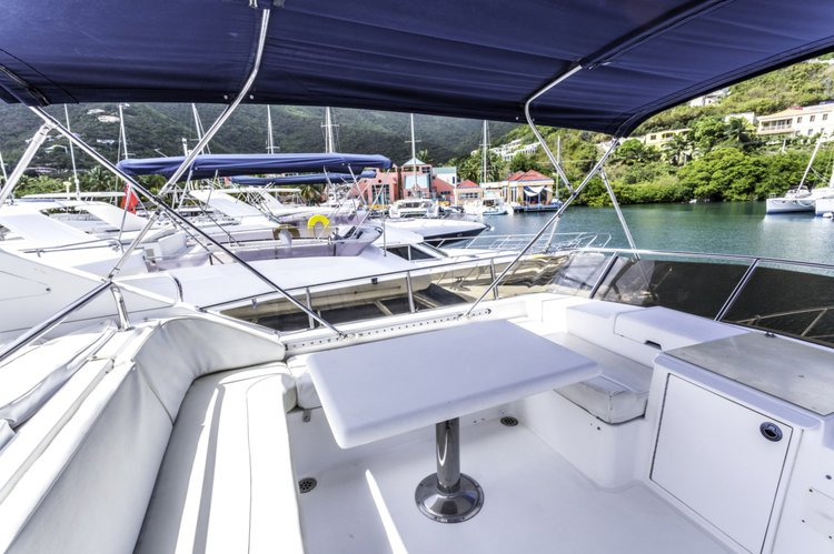 Discover Road Town surroundings on this 56 Horizon boat