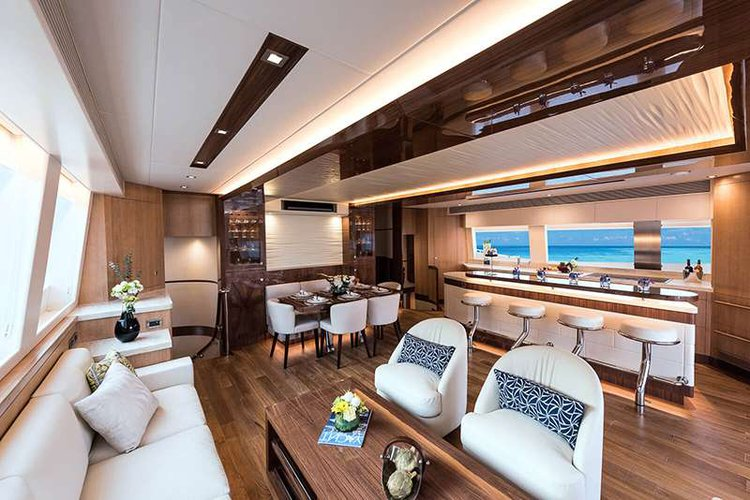 Discover Road Town surroundings on this 74 Horizon boat