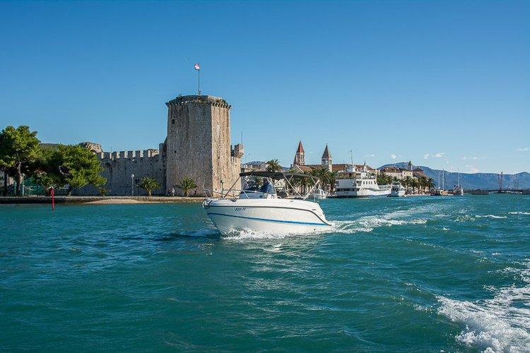 QUICKSILVER's 26.0 feet in Trogir