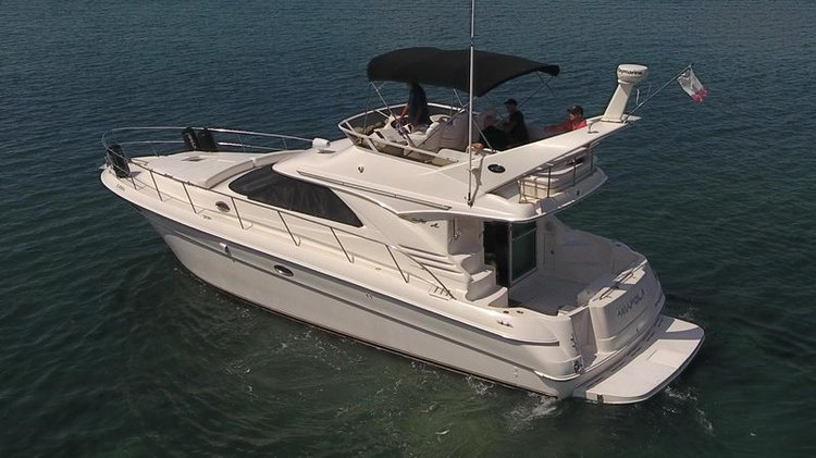Discover Cancun in style boating on this SeaRay 42 rental